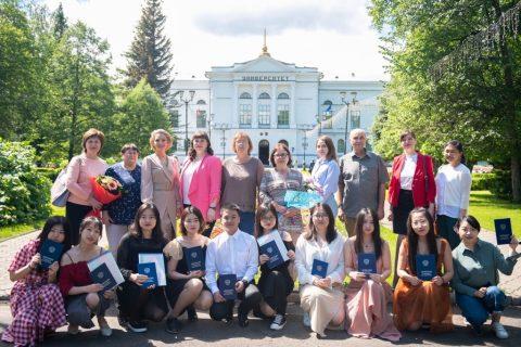 С 14 июня по 05 июля 2019 года в стенах Томского государственного университета проходило торжественное вручение дипломов.