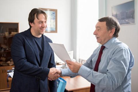 А.Ратахин: «Хочется, чтобы в России успешных людей становилось больше»